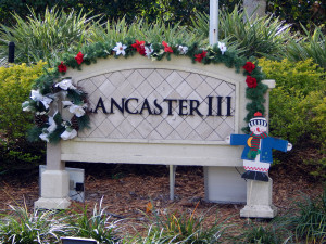 Christmas reef and snowman at LANCASTER III Association entrance in Sun City Center, Florida