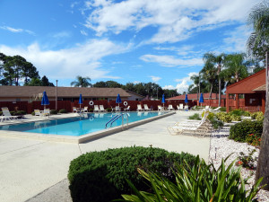 The Knolls Outdoor Pool on Knollpoint in Kings Point, Sun City Center, Florida