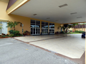 HART Bus Stop under the Portico at Kings Point Main Clubhouse, Sun City Center, FL [staff photo]