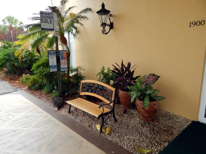 HARTFlex bus stop at the Kings Point Main Clubhouse (KPCH), Sun City Center, FL [staff photo]
