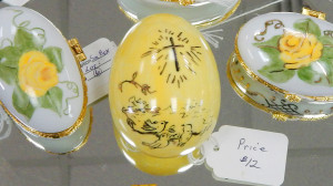 Small glass egg with cross at Sun City Center China Painters Club