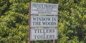 Tillers and Toilers Window in the Woods, Sun CIty Center, FL