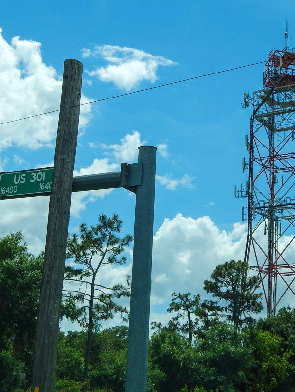 Verizon Cell phone towers on 301 in Wimauma near Sun City Center, FL