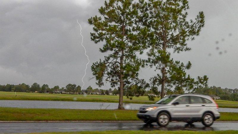 Lightning stikes in Sun City Center, FL