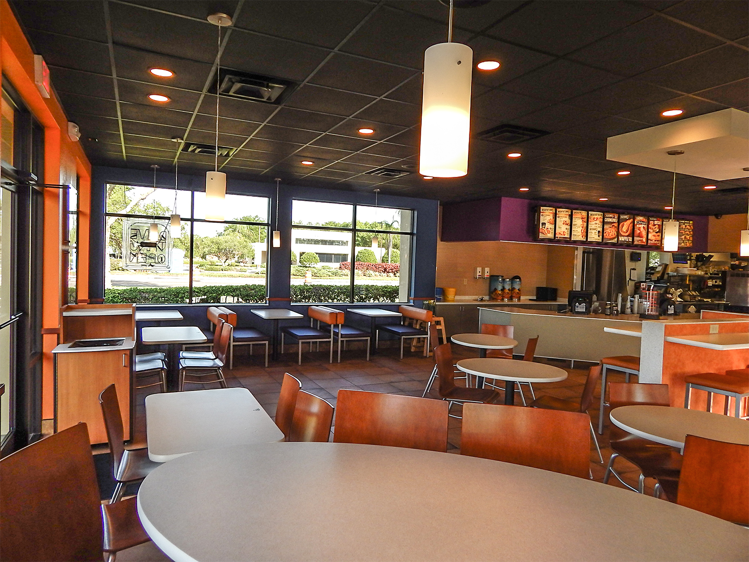 Taco Bell Remodeled Inside And Out In Sun City Center