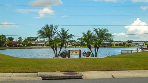South Lake on Valley Forge is Private with a no trespassing sign, Sun City Center, FL