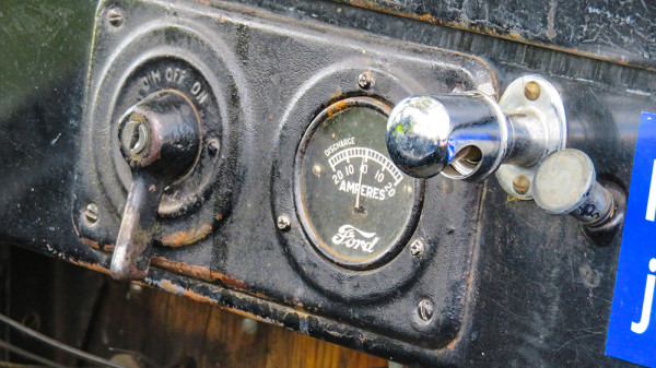 Feb 22, 2016 - On Off Switch and Amperes gauge in Model T Ford/suncitycenterphotos.com
