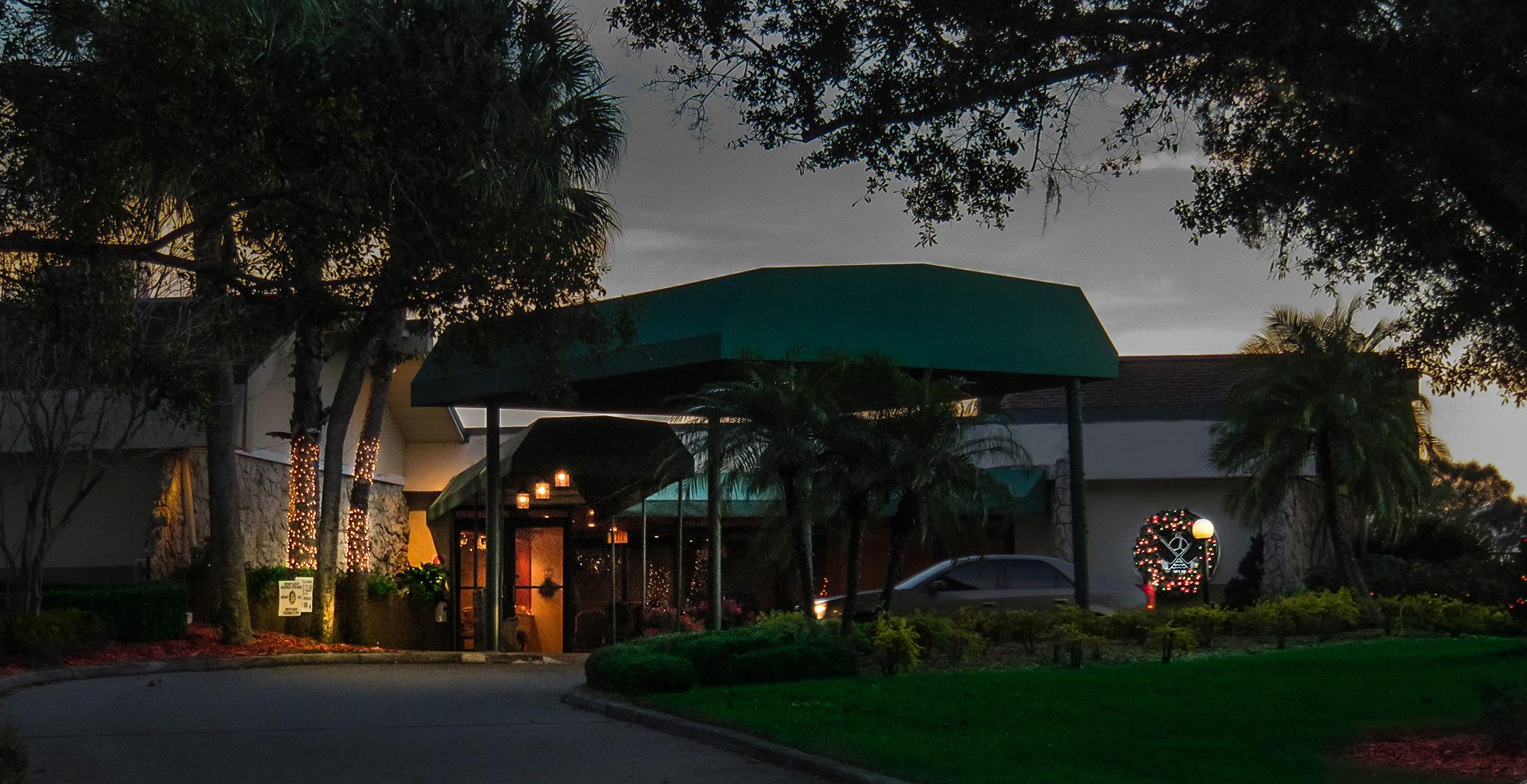 Dec 29, 2016 - Sandpiper Grille front door valet entrance Sun City Center, FL/suncitycenterphotos.com